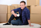 Moving to house — Stockfoto