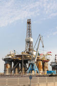 Gas and oil rig platform in the port of Tenerife — Stock Photo