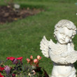 Memorial angel statue in cemetery — Stock Photo #13754312