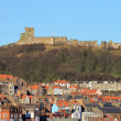 Scarborough Castle and old town - Foto Stock