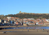 Scarborough Castle and beach — Stock Photo