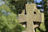 Celtic cross in cemetery — Stock Photo