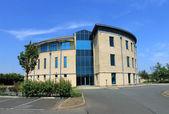 Boş modern ofis binası — Stok fotoğraf