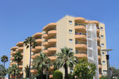 Tourist hotel on island on Majorca — Foto Stock