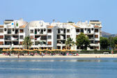 Alcudia beach scene in summer — Foto de Stock