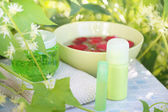Instellen voor spa in zomertuin — Stockfoto