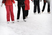 Young people skating — Stock Photo