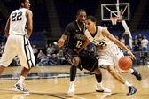 Penn State's Talor Battle dribbles — Stock Photo