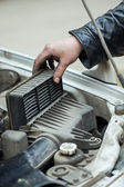 Replacing the air filter — Stock Photo