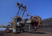 Excavator transfer — Stock Photo