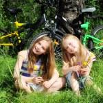 ������, ������: Little girls smiling