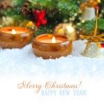 Новогодний фон — с зажженными свечами на снегу — Стоковое фото #16318277