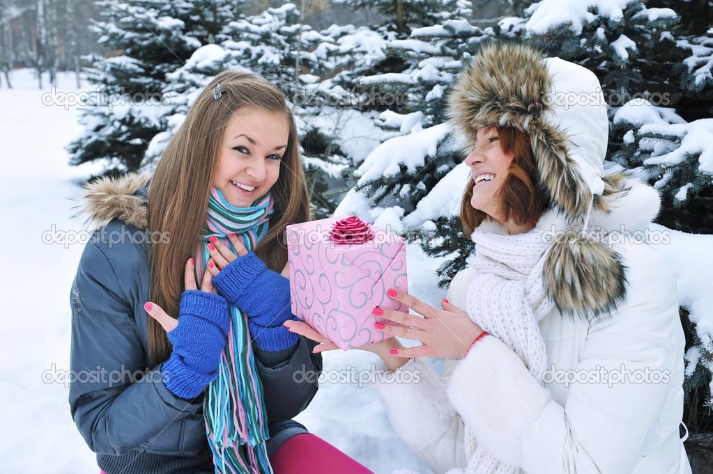 Очень красивые девушки зимой фото