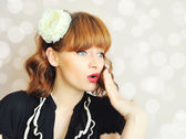 Surprised beautiful young woman. Vintage style — Stock Photo