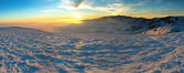 Beautiful sunset in winter mountain — Stock Photo