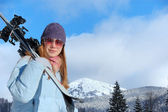 Young woman with ski — Stockfoto