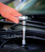 Hands of car mechanic — Stock Photo