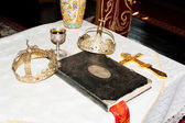 Ancient holy bible on old altar. — Stok fotoğraf