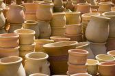 Pentole su un mercato di medio oriente — Foto Stock