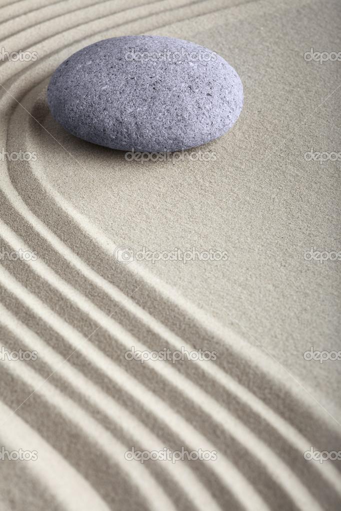 Jardim de pedra Zen areia — Fotografias de Stock © kikkerdirk