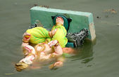 Ganesha idol float after immersion, during hindu festiva — Stock Photo