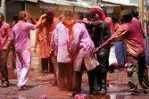 Indiska hinduer fira holi festval — Stockfoto