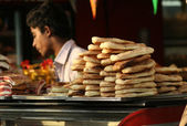 Indian Vendor sell bakery food — Stock Photo