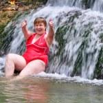 Eldelry woman swimming — Stock Photo
