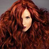 红头发。时尚女孩画像 — 图库照片