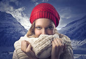 Blonde Girl in Mountain Covering with her Scarf — Стоковое фото