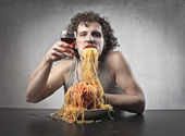 Man Gorging of Spaghetti — Stock Photo