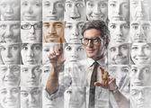 Att välja en person — Stockfoto