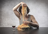 Dividing the Spaghetti — Stock Photo