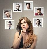 Kvinna tänkande — Stockfoto