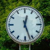 Grungy viejo reloj — Foto de Stock