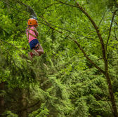 Girl On Zip Line — Stock Photo