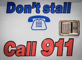 Call 911 Sign — Stock Photo