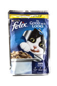 Felix Chicken in Jelly Cat food by PURINA on a white background — Stock Photo