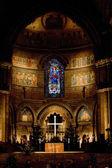 Wnętrze katedry notre dame, strasburg, alzacji, francja — Zdjęcie stockowe