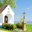 Chapel with a cross, Vlcnov, Czech Republic - Stockfoto