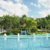 Hotel's swimming pool, Cayo Coco, Cuba — Stock Photo