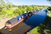 Yüzen üzerinde canal, oxfordshire, i̇ngiltere — Stok fotoğraf