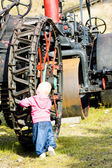 Little girl standing at wheel, Mount Washington Cog Railway, Bre — Stock Photo