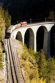 Train on Rhaetian Railway, Landwasserviadukt, canton Graubunden, — Stock Photo