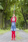 Mädchen mit regenschirm — Stockfoto