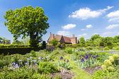 Garden of Hatfield House — Stock Photo