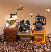 Coffee mills with coffee beans — 图库照片