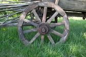 Wooden wheel — Stock Photo