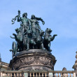 Statue Dionis and Aridna on Dresden Opera Theatre - 图库照片