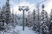 Ski stoeltjeslift — Stockfoto